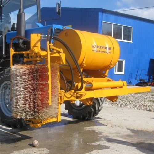 Щетка БЛ-900М для очистки дорожных ограждений